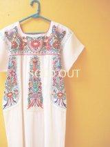 小花刺繍のメキシカンワンピース*白地/小鳥刺繍*