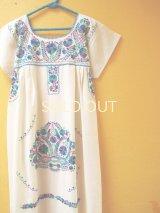 メキシカン刺繍ワンピース*コットン地/青ミドリグラデーション刺繍*