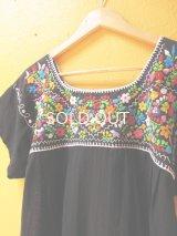 メキシカン刺繍チュニック*カラフル小花刺繍/ブラック*