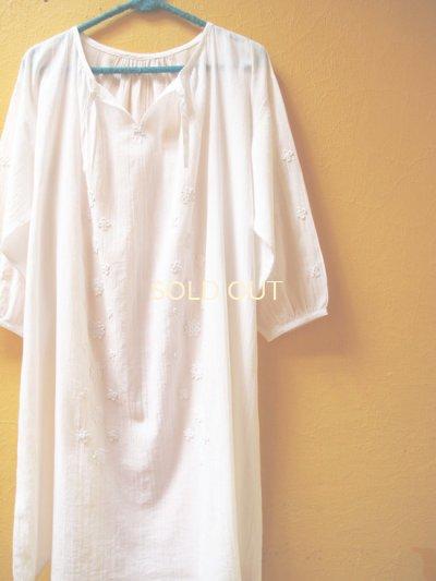 画像2: 【SALE】60%offエアリースモックワンピース*ロココ刺繍/白地×ホワイト刺繍*