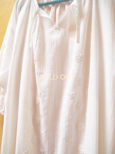 画像3: 【SALE】60%offエアリースモックワンピース*ロココ刺繍/白地×ホワイト刺繍*