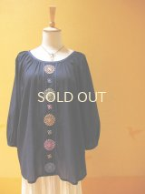 【SALE】60%offラグランスリーブの刺繍チュニック*ロココ刺繍/ネイビー×カラフル刺繍*