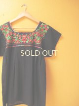 【SALE】メキシカン刺繍チュニック*レッド小花刺繍B/ブラック*