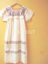 小花刺繍のメキシカンワンピース裾レース仕立て*小鳥刺繍/生成り地*