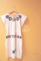 メキシコ刺繍ワンピース*カラフル大花刺繍/ホワイトコットン地*