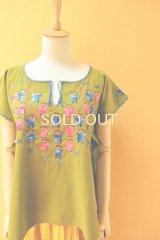 【SALE】30%offメキシコ刺繍ブラウス*お人形刺繍/スプリンググリーン*