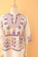 メキシコ刺繍ブラウス*ミルパ刺繍/カラフル/六分袖*