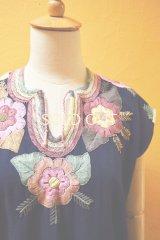 メキシコ刺繍ブラウス*ネイビー地/ピンク系花刺繍*
